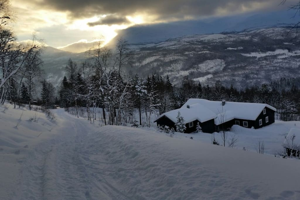 Skitracks from the lodge takes you far into the beutiful wildernes of Telemark