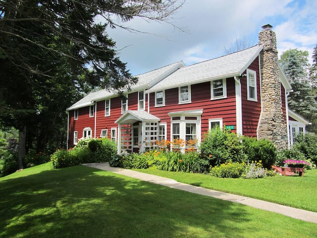 Classic Vermont mountain home - Mount Holly - บ้าน