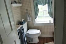 1/2 bath - toilet and sink in king room