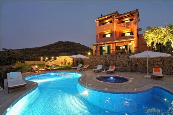 Villa for 10 persons in Corfu