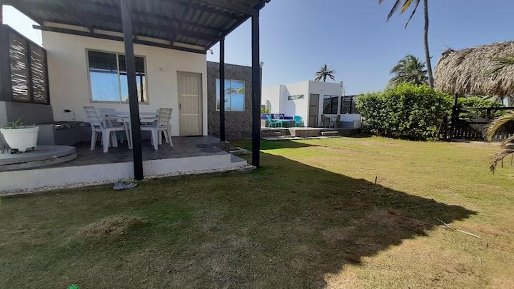 Coral house big cabaña frente al mar