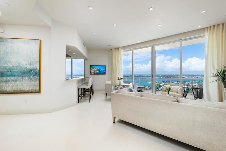 $5 Million Ritz-Carlton 3BR Ocean View Penthouse