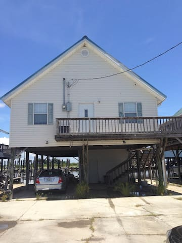 Pointe aux chenes fishing camp houses for rent in for Fishing camps for rent in louisiana