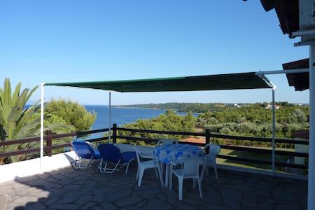 Villa Oasis studio with terrace - Nea Fokea