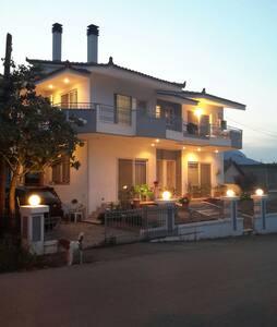 Πανεμορφη εξοχικη κατοικια - Εύα - Casa