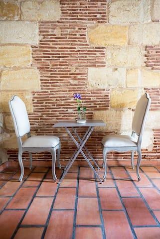 Belle chambre avec terrasse piscine - Margaux - Huis