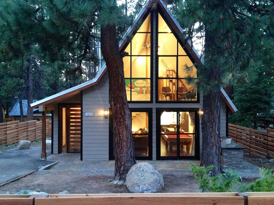 Chalet de celeste cottages for rent in south lake tahoe for Rent a cabin in lake tahoe ca