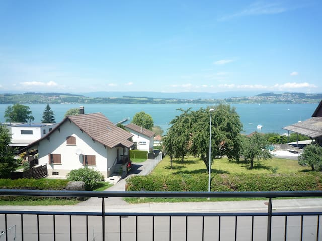 Bed & Breakfast at lake - only 20min from Berne