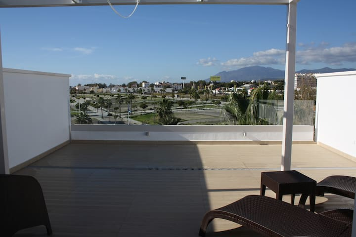 Cozy Penthouse near Puerto Banús. 1 room