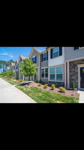 Luxury townhouse bedroom close RDU Raleigh Durham
