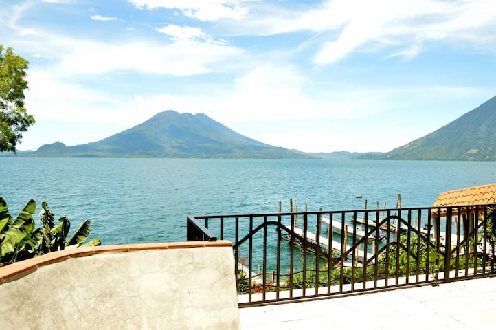 Lakeside villa on Lake Atitlan - Jaibalito - Casa