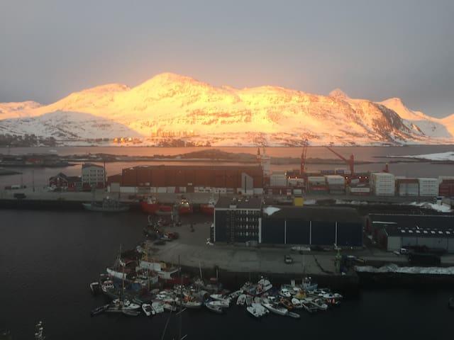 Lejlighed med udsigt mod fjeldet - Nuuk - Lägenhet