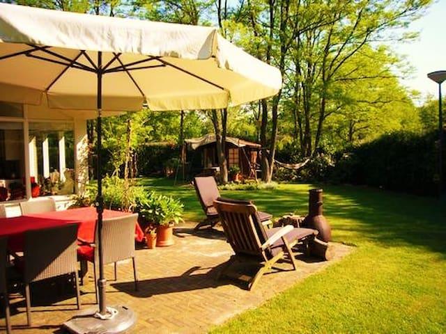 Vakantiehuis 'De Bonte Specht' met sauna - Holten - บังกะโล