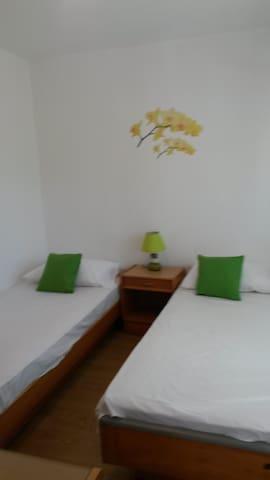 Gera room 3