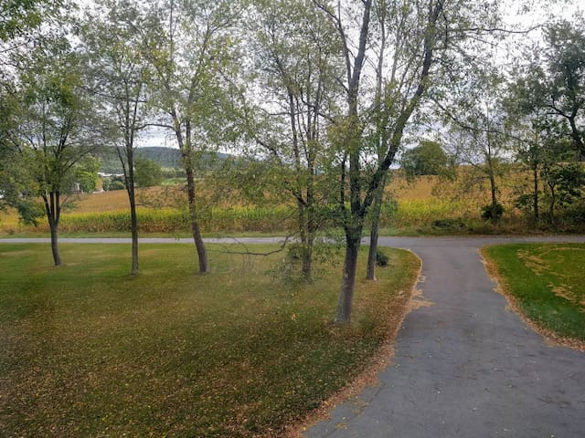 Private Rural Suite, Minutes to State College