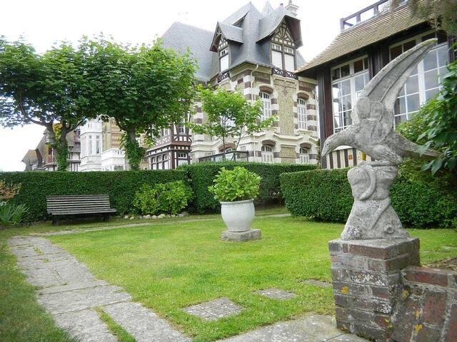 Villa Les Embruns La terrasse 1 et - Deauville - Villa