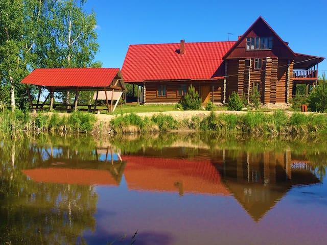 Деревянный дом на берегу оз.Каспля - Prudniki - Hus
