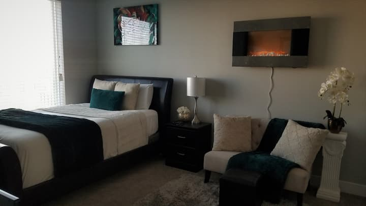 Exquisite Private Room Near Downtown Orlando!