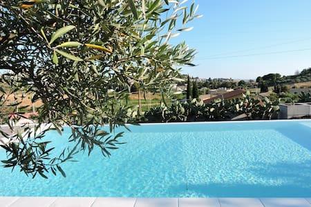 Baglio nel trapanese con piscina, wi-fi e giardino