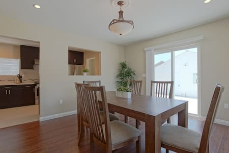 Luxury Home near Arcadia 4bed/3bath