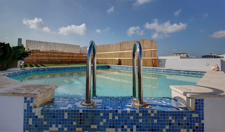 Sliema AMAZING  SEA FRONT Penthouse with Pool !!!