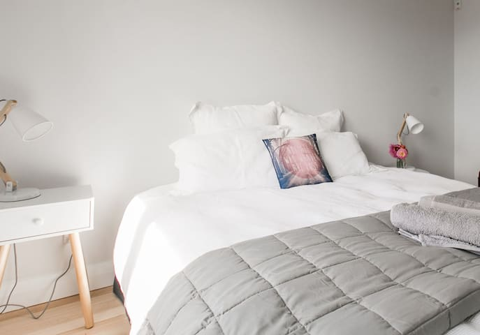 The room can be configured with a superking bed (as pictured) or a twin room, and has cotton sheeting and cosy comforters