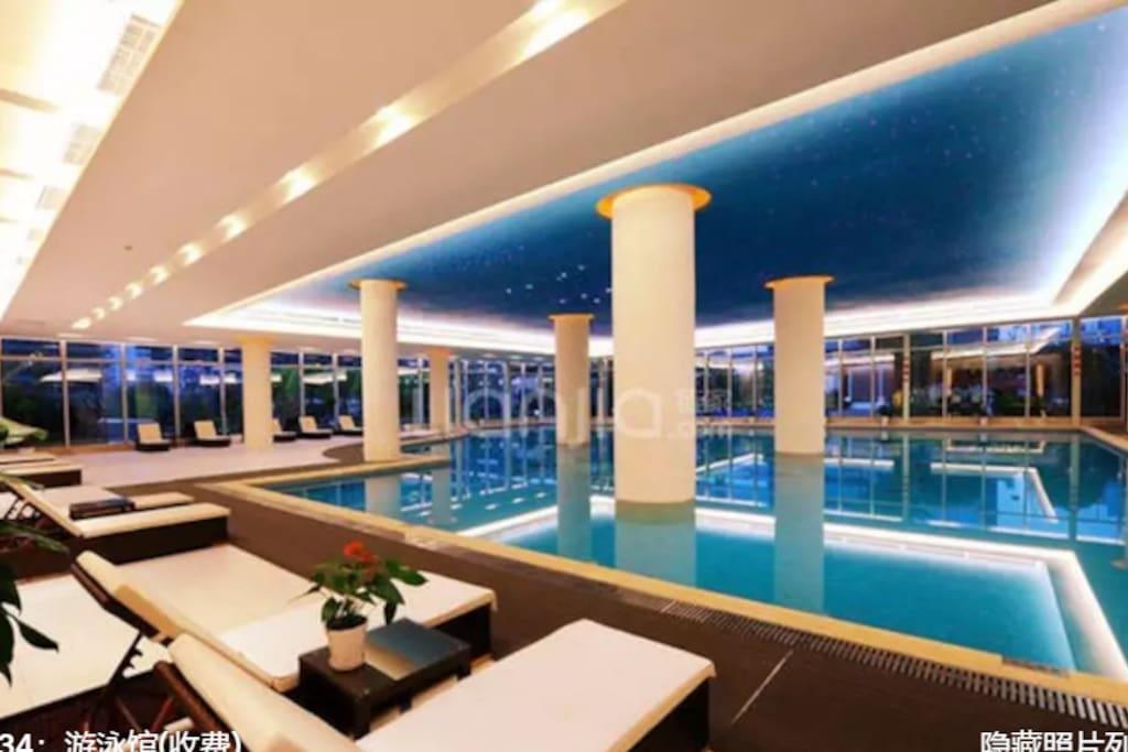 富力中心游泳馆