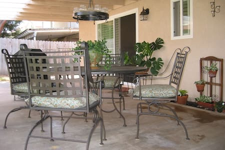 Temecula One or Two Single Bedrooms - Temecula - House