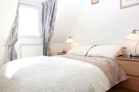 2 DOUBLE ROOMS FOR 3-4 GUESTS ONLY - Prestonpans