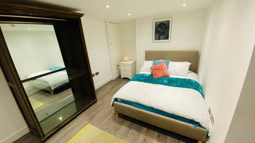 Comfortable Double Room In Bethnal Green