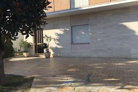 Ospitalità in villetta privata - Faleriense - Lakás