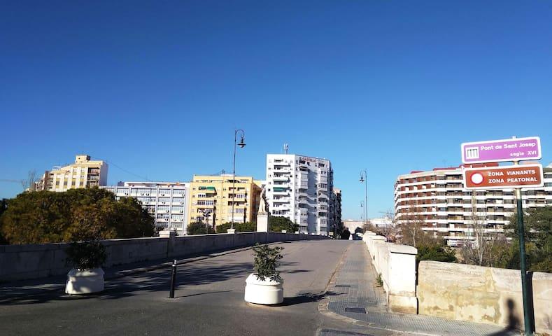 Piso acogedor muy cercano al centro Valencia (II)