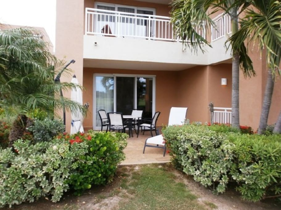 Your private terrace with easy excess to the surrounding landscaping!