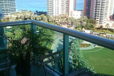 Oceanfront view in Miami!