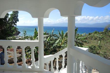 Haiti Private Surf House - Tortuga - 独立屋