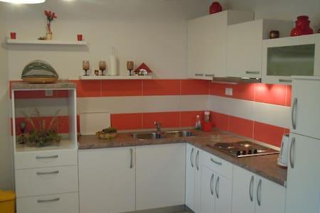 Apartment for 4-6 in Sveta Nedjelja - Sveta Nedilja - Lejlighed
