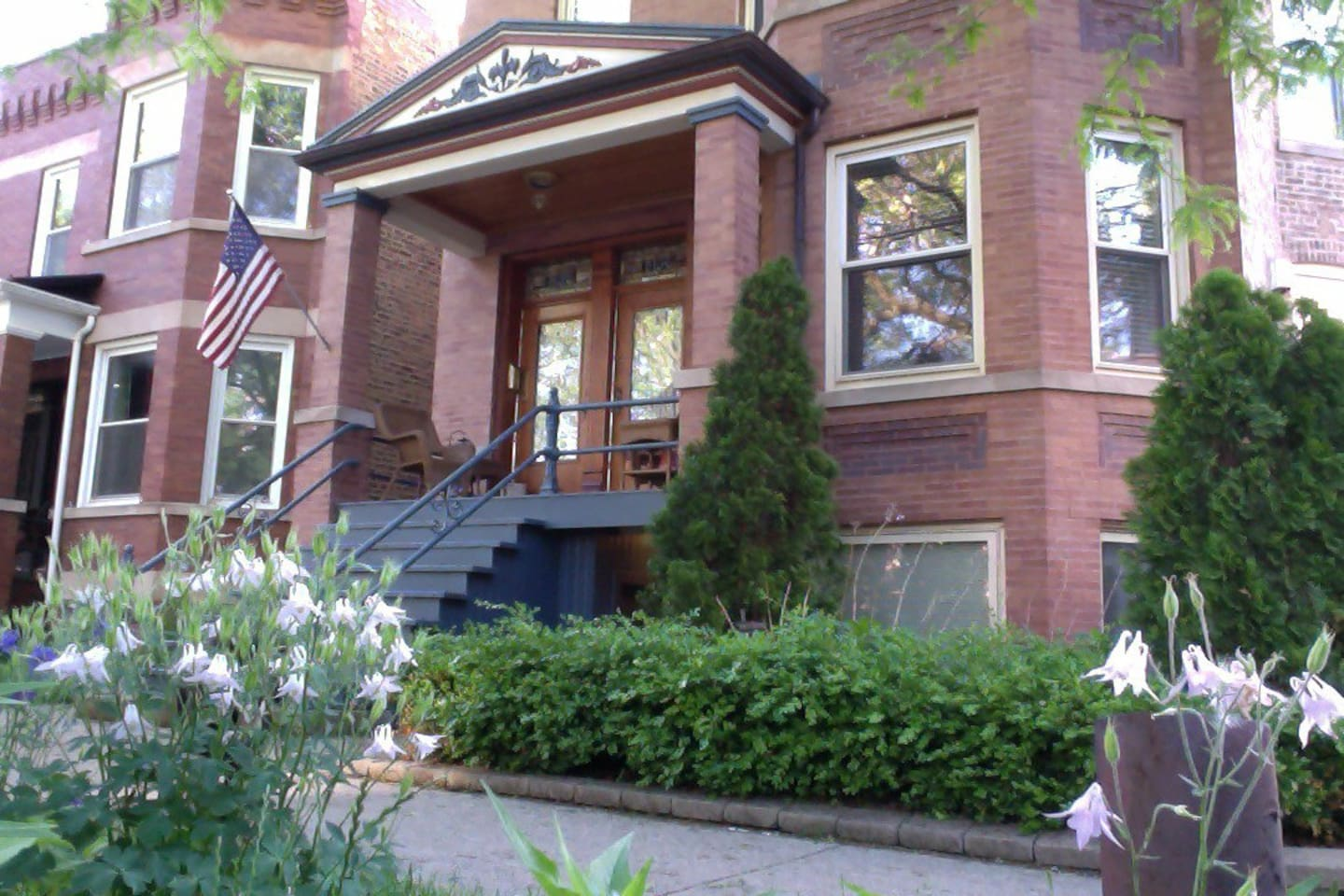 Authentic Chicago Brownstone home in the heart of Chicago