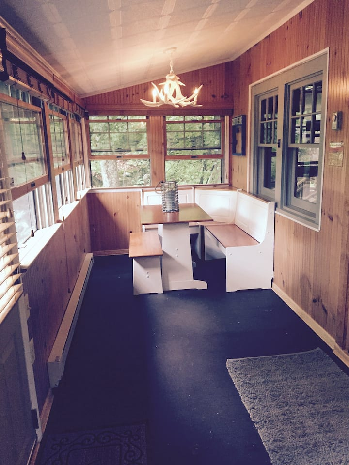 Beautiful Catskills Cabin! Private Lake Community!