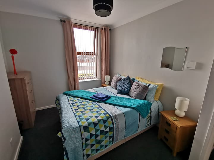 Large double room near City Centre