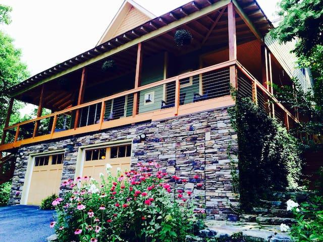 Amazing Mountain Retreat w/Hot Tub! - Fairview - Casa