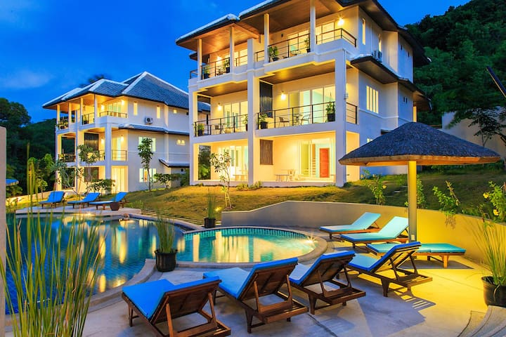 2to16 bedroom villas - Group choice