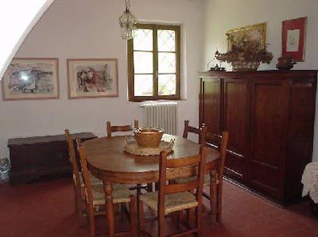La sala da pranzo della casa principale