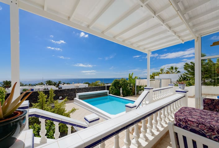 Villa Fortuna + Seaview + Pool - Puerto Calero - 別荘