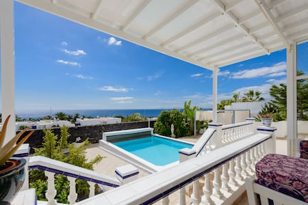 Villa Fortuna + Seaview + Pool - Puerto Calero