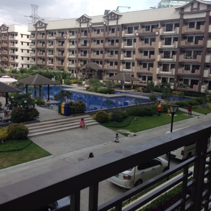 facing amenities (club house, swimming pool, gym, event's place)