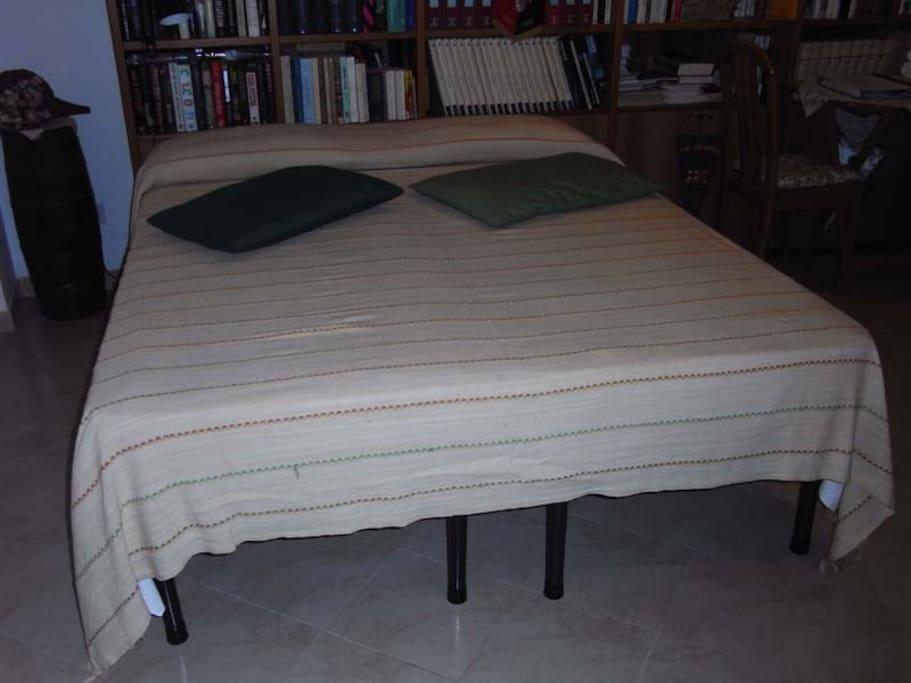 Il letto matrimoniale che puo' essere diviso in due letti singoli