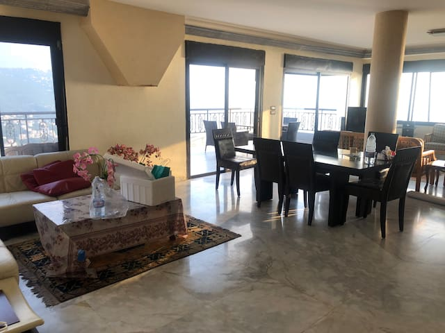 Roof apartment for rent (3bedrooms) ADMA