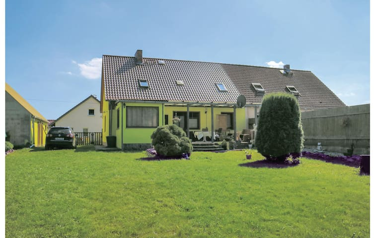 Semi-Detached with 4 bedrooms on 140m² in Usedom