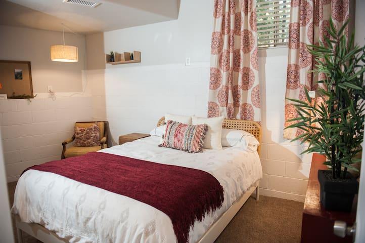 Second bedroom with queen mattress.