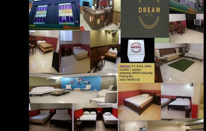 The Dream Hotel (Family Room)